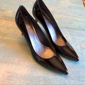 Stuart Weitzman black patent narrow toe heels 8